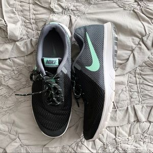 Nike Flex Experience Shoes